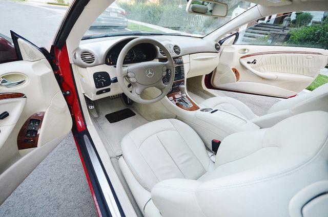 2007 Mercedes-Benz CLK350 3.5L Reseda, CA 1