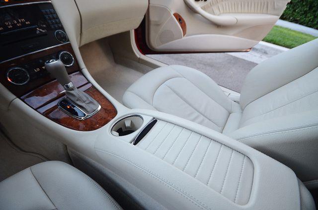 2007 Mercedes-Benz CLK350 3.5L Reseda, CA 38