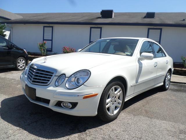 2007 Mercedes E320 30L  VIN WDBUF22X97B089733 95k miles  AMFM CD Player CD Changer Anti-T