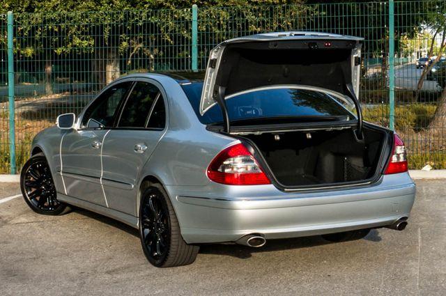 2007 Mercedes-Benz E550  AMG SPORT - P2 PKG - NAVI - HTD STS Reseda, CA 9