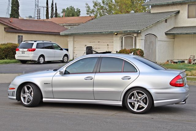 2007 Mercedes-Benz E63 6.3L AMG ONLY 84K ORIGINAL MLS NAVIGATION NEW TIRES SUNROOF XENON LEATHER Woodland Hills, CA 4
