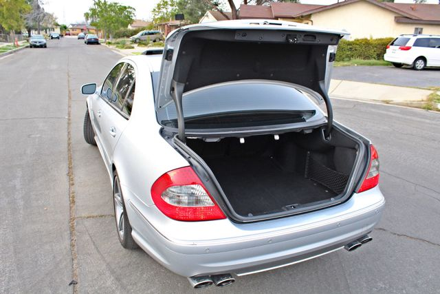 2007 Mercedes-Benz E63 6.3L AMG ONLY 84K ORIGINAL MLS NAVIGATION NEW TIRES SUNROOF XENON LEATHER Woodland Hills, CA 19