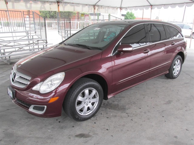 2007 Mercedes R350 35L This particular Vehicle comes with 3rd Row Seat Please call or e-mail to