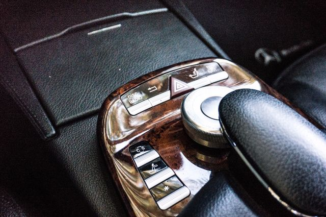2007 Mercedes-Benz S550  AMG SPORT PKG - PREMIUM PKG - 98K MILES - XENON Reseda, CA 17
