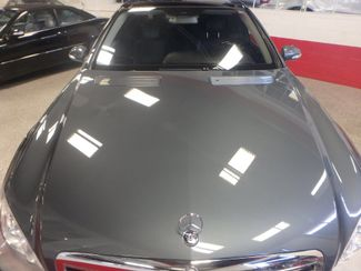 2007 Mercedes S550 4-Matic BEYOND LOADED, SO SMOOTH, LUXURIOUS. Saint Louis Park, MN 27
