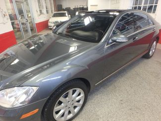 2007 Mercedes S550 4-Matic BEYOND LOADED, SO SMOOTH, LUXURIOUS. Saint Louis Park, MN 28