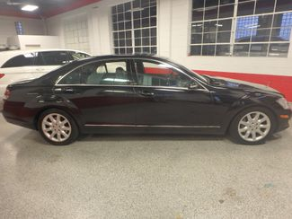 2007 Mercedes S550 4-Matic SHARP BLACK ON GRAY! A BENZ FLAGSHIP! Saint Louis Park, MN 1