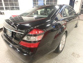 2007 Mercedes S550 4-Matic SHARP BLACK ON GRAY! A BENZ FLAGSHIP! Saint Louis Park, MN 13