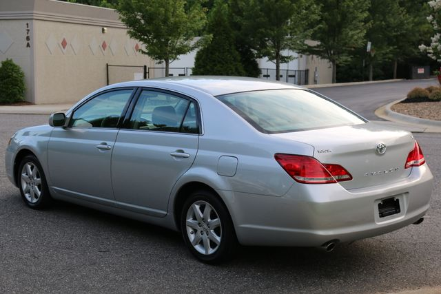 2007 Toyota Avalon XL Mooresville, North Carolina 3