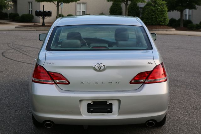2007 Toyota Avalon XL Mooresville, North Carolina 4