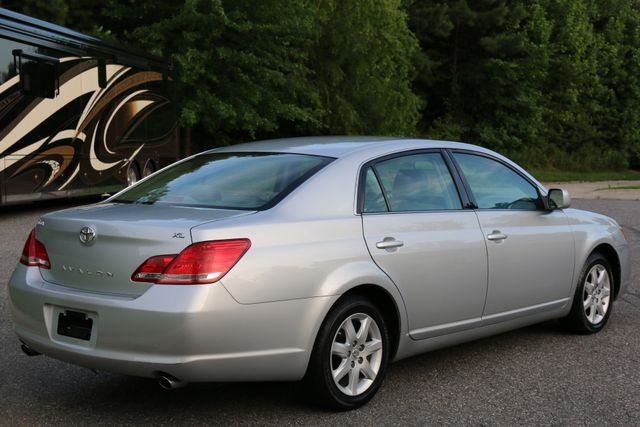 2007 Toyota Avalon XL Mooresville, North Carolina 5