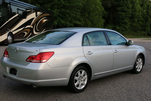 2007 Toyota Avalon XL Mooresville, North Carolina 50