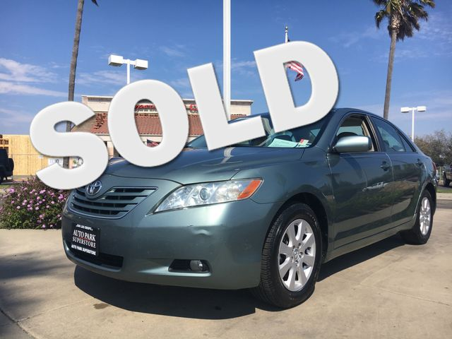 2007 Toyota Camry XLE Youll enjoy the benefits of good gas mileage and a smooth ride with this V6