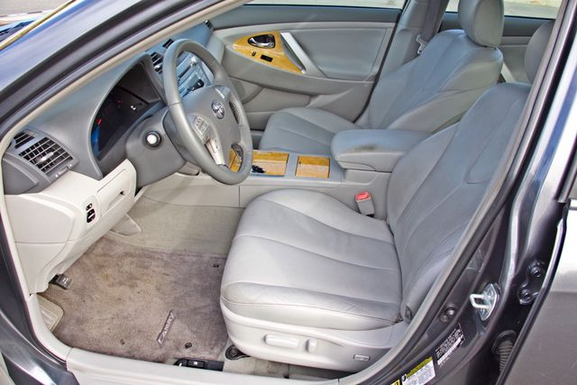 2007 Toyota CAMRY XLE LEATHER SUNROOF ALLOY WHLS NEW TIRES SERVICE RECORDS 1-OWNER Woodland Hills, CA 12