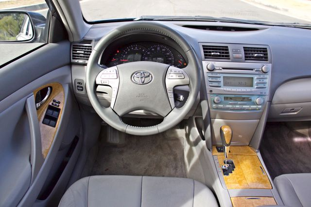 2007 Toyota CAMRY XLE LEATHER SUNROOF ALLOY WHLS NEW TIRES SERVICE RECORDS 1-OWNER Woodland Hills, CA 22