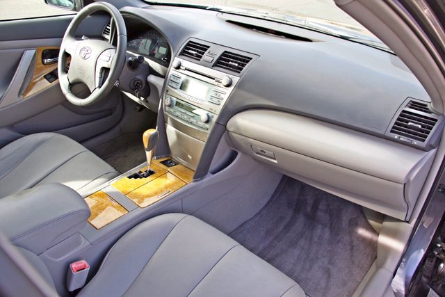2007 Toyota CAMRY XLE LEATHER SUNROOF ALLOY WHLS NEW TIRES SERVICE RECORDS 1-OWNER Woodland Hills, CA 23