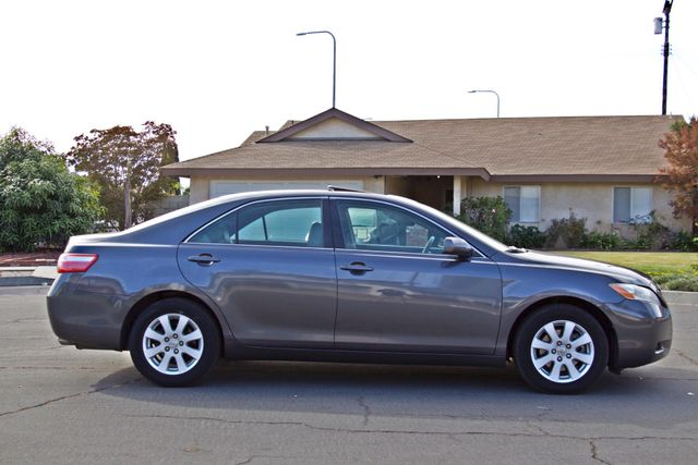 2007 Toyota CAMRY XLE LEATHER SUNROOF ALLOY WHLS NEW TIRES SERVICE RECORDS 1-OWNER Woodland Hills, CA 7