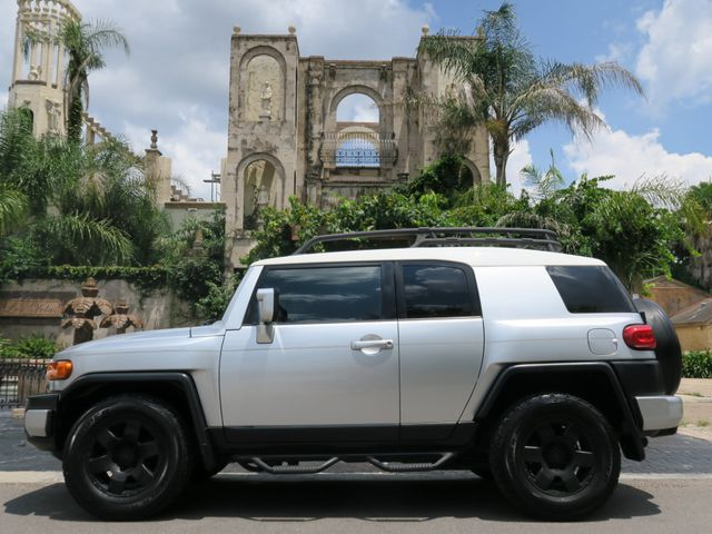 2007 Toyota FJ Cruiser  in Houston Texas