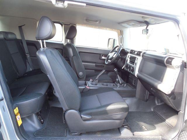 2007 Toyota FJ Cruiser 6-SPEED MANUAL W/OFF ROAD PKG Leesburg, Virginia 38