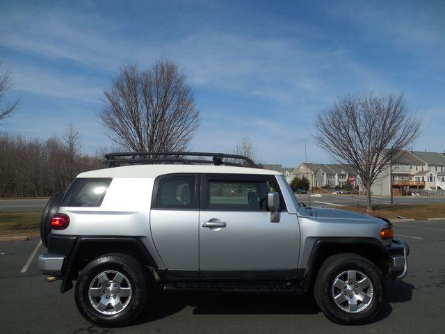 2007 Toyota FJ Cruiser 6-SPEED MANUAL W/OFF ROAD PKG Leesburg, Virginia 10