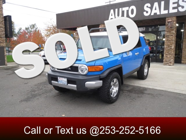 2007 Toyota FJ Cruiser 4WD If your looking for an off-road adventure then this is the rig for you