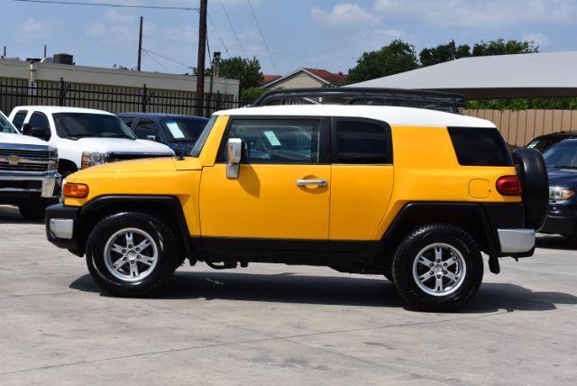 2007 Toyota FJ Cruiser 2WD San Antonio , Texas 3