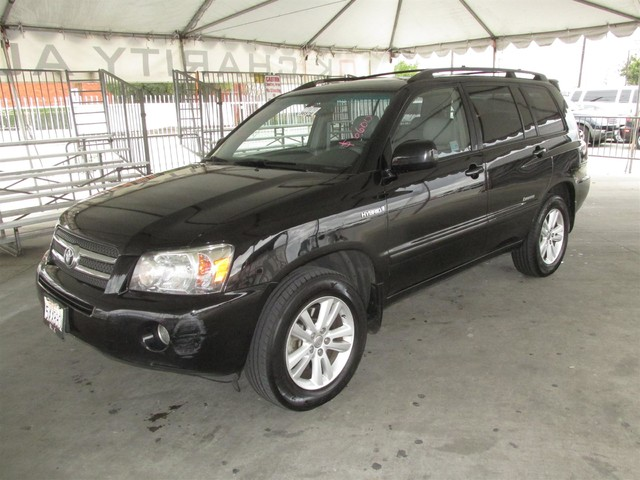 2007 Toyota Highlander Hybrid Limited w3rd Row Please call or e-mail to check availability All