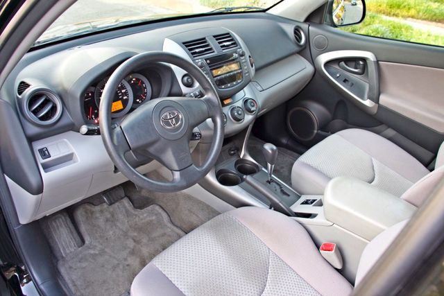 2007 Toyota RAV4 SPORT UTILITY AUTOMATIC ALLOY WHLS 1-OWNER SERVICE RECORDS AVAILABLE Woodland Hills, CA 20