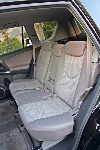 2007 Toyota RAV4 SPORT UTILITY AUTOMATIC ALLOY WHLS 1-OWNER SERVICE RECORDS AVAILABLE Woodland Hills, CA 35