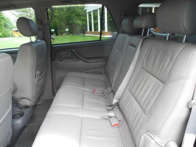 2007 Toyota Sequoia FULLY LOADED WITH LEATHER AND ROOF Leesburg, Virginia 10