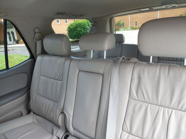 2007 Toyota Sequoia FULLY LOADED WITH LEATHER AND ROOF Leesburg, Virginia 11