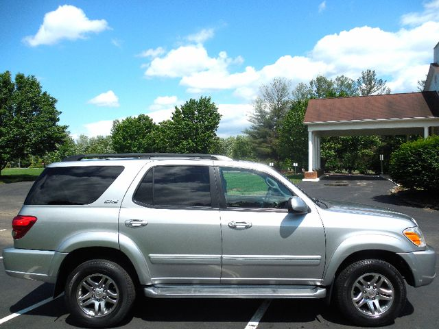 2007 Toyota Sequoia FULLY LOADED WITH LEATHER AND ROOF Leesburg, Virginia 5