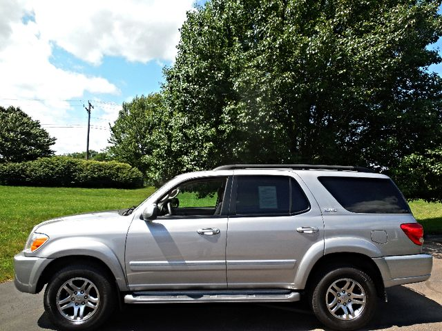 2007 Toyota Sequoia FULLY LOADED WITH LEATHER AND ROOF Leesburg, Virginia 4