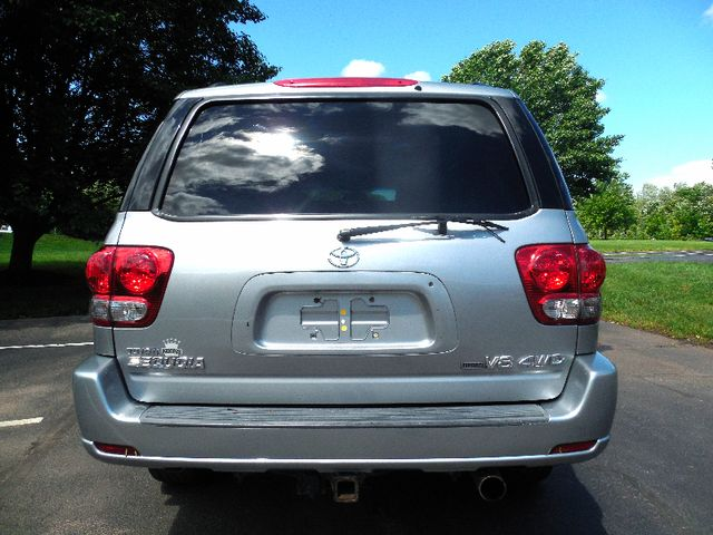 2007 Toyota Sequoia FULLY LOADED WITH LEATHER AND ROOF Leesburg, Virginia 7