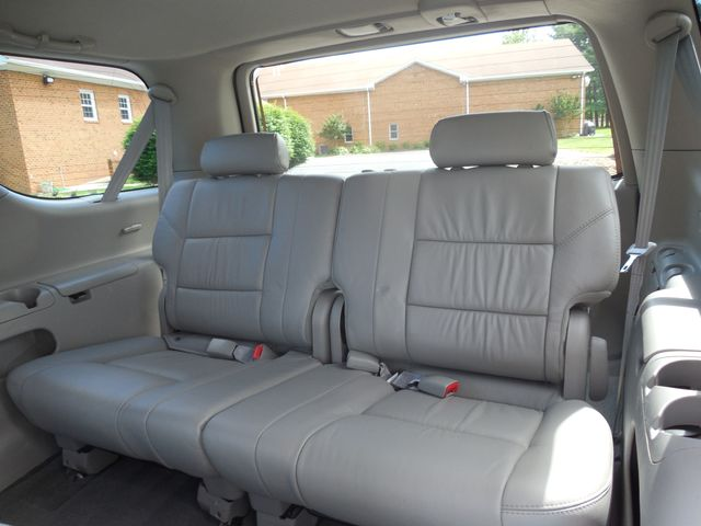 2007 Toyota Sequoia FULLY LOADED WITH LEATHER AND ROOF Leesburg, Virginia 9