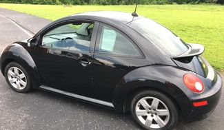 2007 Volkswagen-Carmartsouth.Com New Beetle-BLACK ON BLACK WITH LEATHER!! AUTO!!  31 MPH! BUY HERE PAY HERE! Knoxville, Tennessee 4
