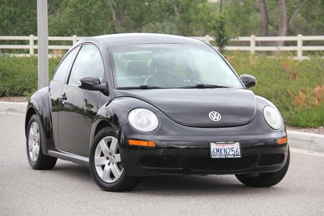 2007 Volkswagen New Beetle Santa Clarita, CA 3