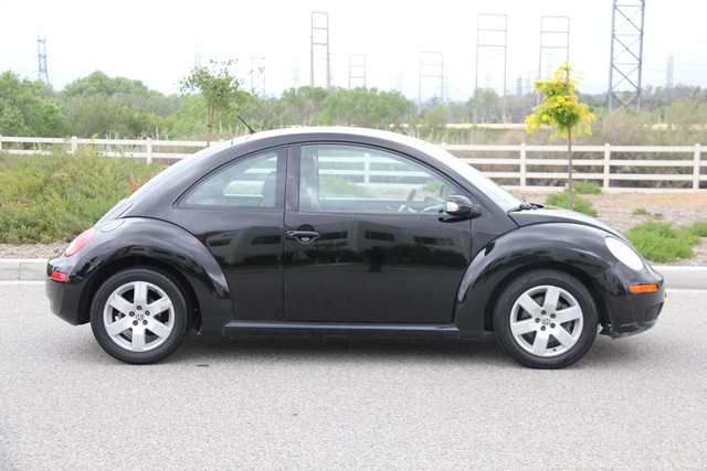 2007 Volkswagen New Beetle Santa Clarita, CA 11