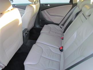2007 Volkswagen Passat 2.0T Navigation Sacramento, CA 13