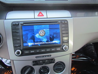 2007 Volkswagen Passat 2.0T Navigation Sacramento, CA 16