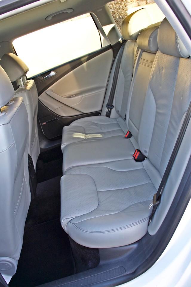 2007 Volkswagen PASSAT 2.0T WAGON ONLY 62K ORIGINAL MILES Woodland Hills, CA 23