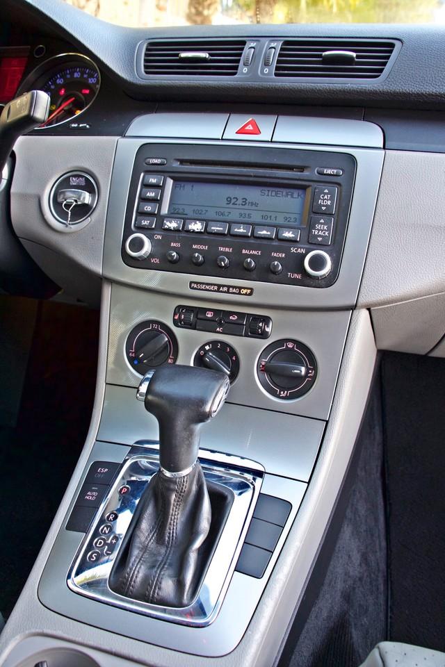 2007 Volkswagen PASSAT 2.0T WAGON ONLY 62K ORIGINAL MILES Woodland Hills, CA 19