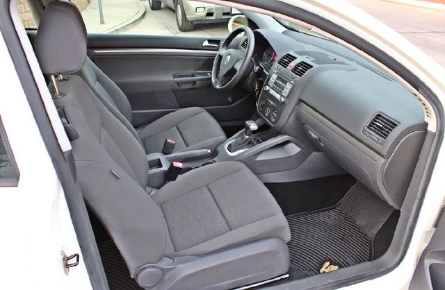 2007 Volkswagen RABBIT HATCHBACK ONLY 70K MLS AUTOMATIC SERVICE RECORDS NEW TIRES CRUISE CONTROL Woodland Hills, CA 22