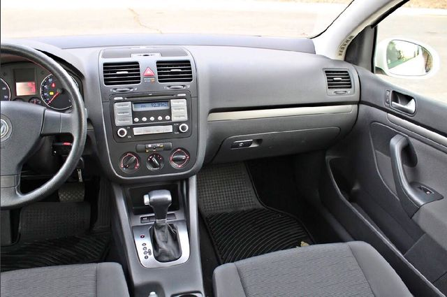 2007 Volkswagen RABBIT HATCHBACK ONLY 70K MLS AUTOMATIC SERVICE RECORDS NEW TIRES CRUISE CONTROL Woodland Hills, CA 19