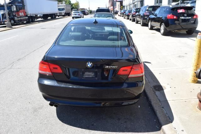 2008 BMW 328i 2dr Cpe 328i RWD SULEV Richmond Hill, New York 2