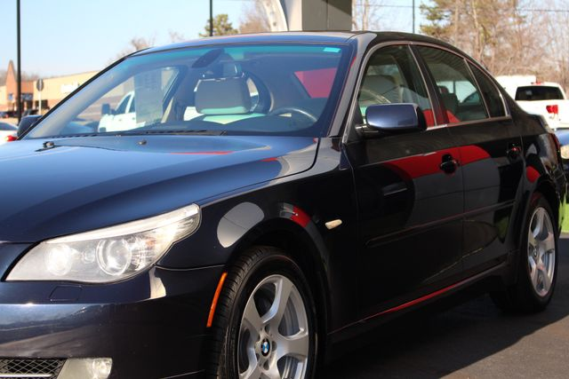 2008 BMW 528xi AWD - PREMIUM & COLD WEATHER PKGS! Mooresville , NC 26