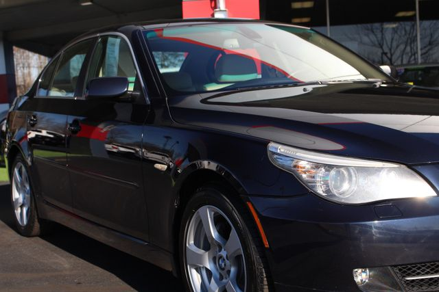 2008 BMW 528xi AWD - PREMIUM & COLD WEATHER PKGS! Mooresville , NC 25