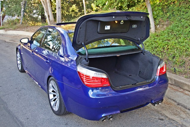 2008 BMW M Models M5 6 SPEED MANUAL ONLY 57K MLS 1-OWNER HEAD-UP DISPLAY NEW TIRES Woodland Hills, CA 15