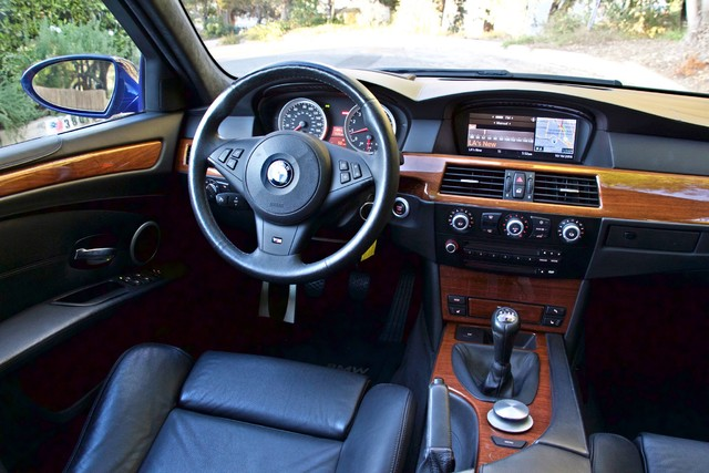 2008 BMW M Models M5 6 SPEED MANUAL ONLY 57K MLS 1-OWNER HEAD-UP DISPLAY NEW TIRES Woodland Hills, CA 25