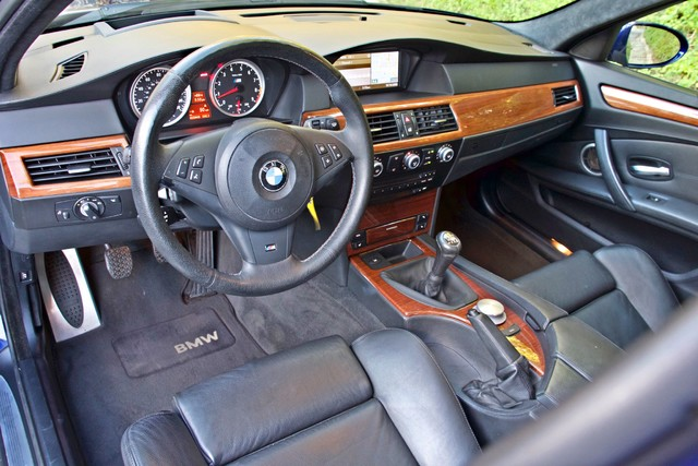 2008 BMW M Models M5 6 SPEED MANUAL ONLY 57K MLS 1-OWNER HEAD-UP DISPLAY NEW TIRES Woodland Hills, CA 16
